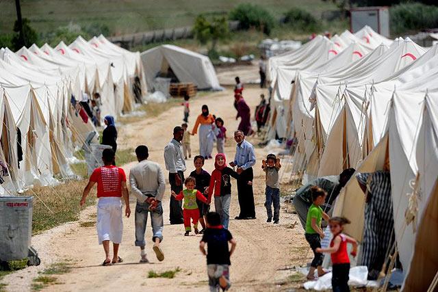 Чем односторонняя гуманитарная интервенция отличается от многосторонней?