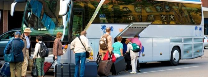 Как проще всего попасть из Москвы в Санкт-Петербург?